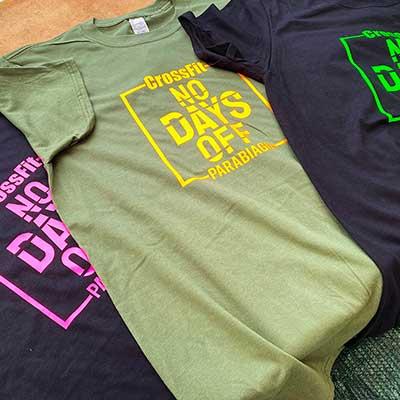T-shirt con stampa termoadesiva